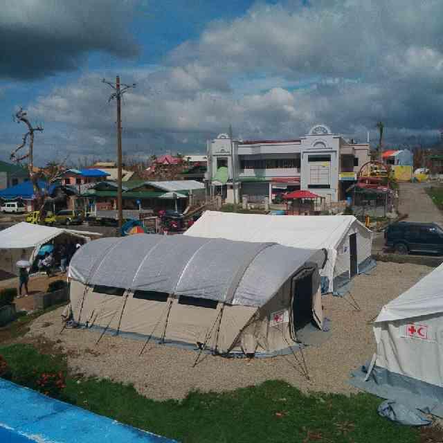 L'hôpital de campagne de la Croix-Rouge canadienne à Ormoc